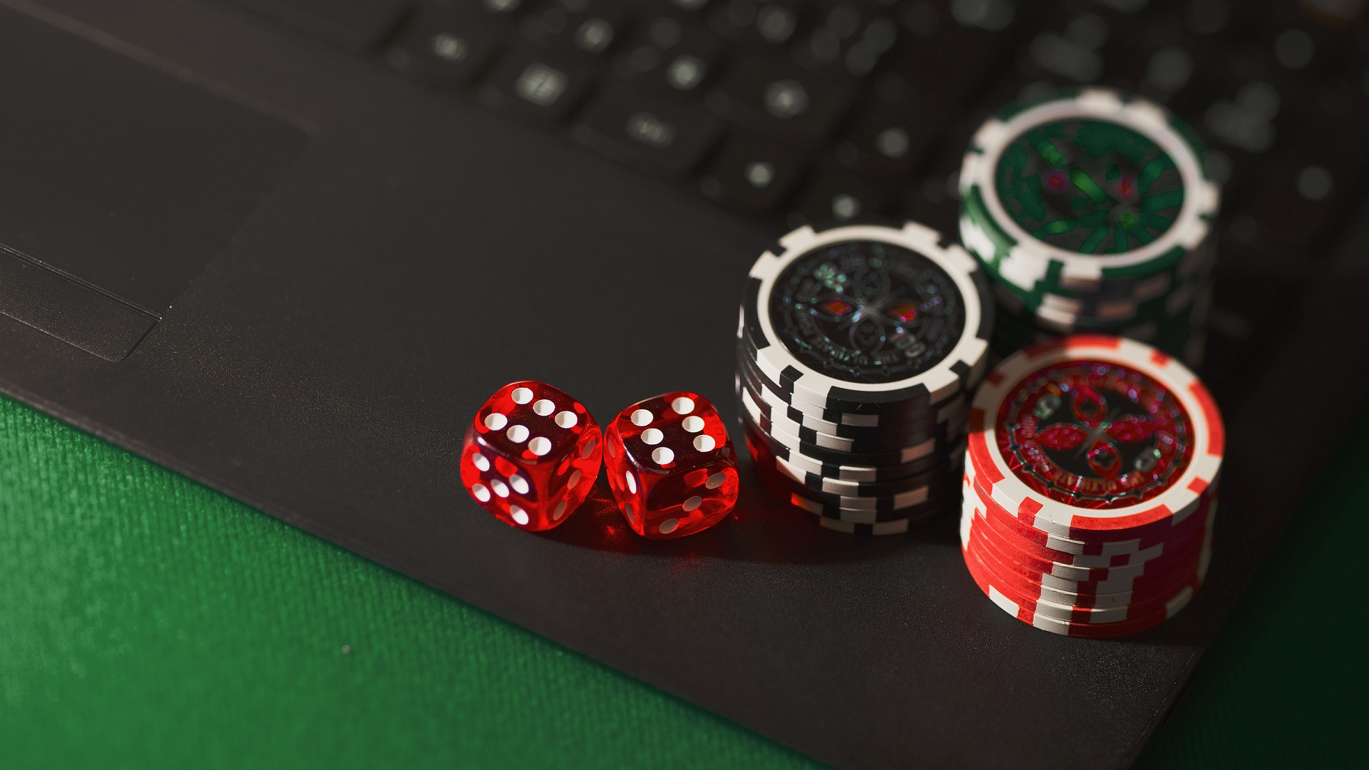 Enjoy the fullest while playing the online casino games